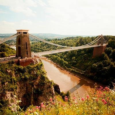 Cursos de idiomas en el extranjero para grupos escolares en Bristol