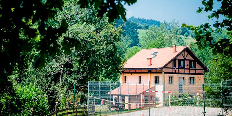 alojamiento campamento de verano Cantabria