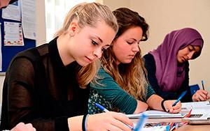 Cursos de inglés de preparación exámenes oficiales Cambridge en Liverpool Inglaterra