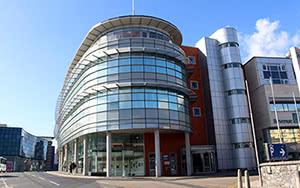Cursos de inglés de preparación exámenes oficiales Cambridge en Galway Irlanda