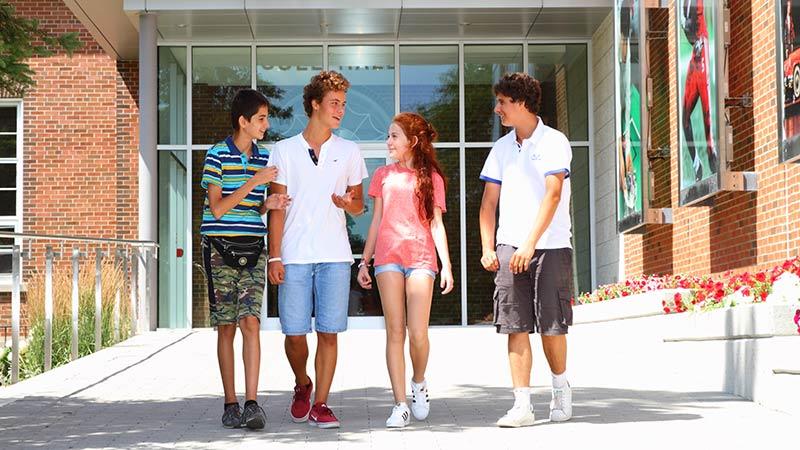 Cursos de inglés para jóvenes en Toronto Ccon actividadesanadá